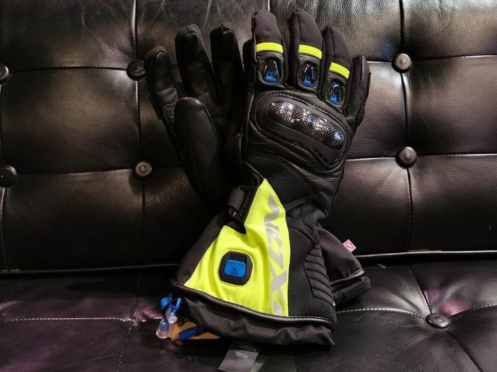 Gant moto hiver chauffant | Gagnant du comparatif : Ixon IT-ASO